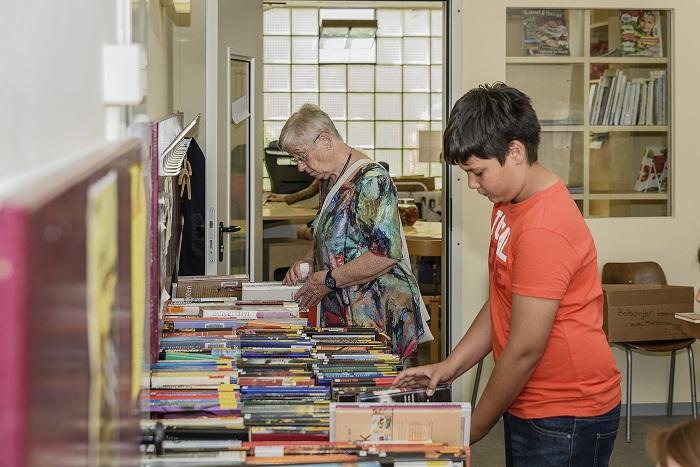 Jung und Alt fanden etwas auf dem großen Bücherflohmarkt im Altheim