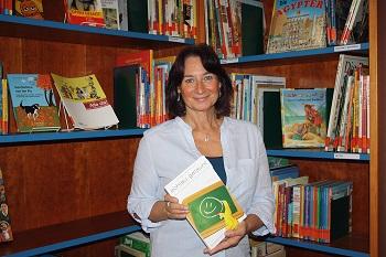 Ute Keller ist Heilpraktikerin mit langjähriger Erfahrung und zeigt in ihrem Vortrag die Lebenswelt von AD(H)S betroffenen Kindern auf.