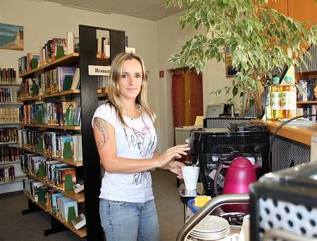Leserin Melanie Schmelzer hat die neue Kaffeemaschine schon getestet und sich einen guten Kaffee schmecken lassen.