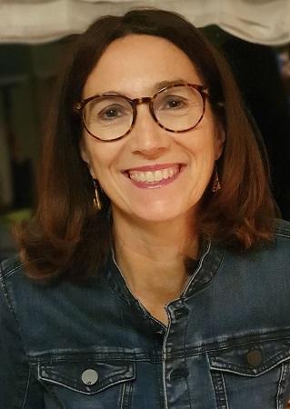 Anke Schocke informiert in der Bücherei Münster darüber, wie Kinder mit Legasthenie oder LRS gefördert werden könne.